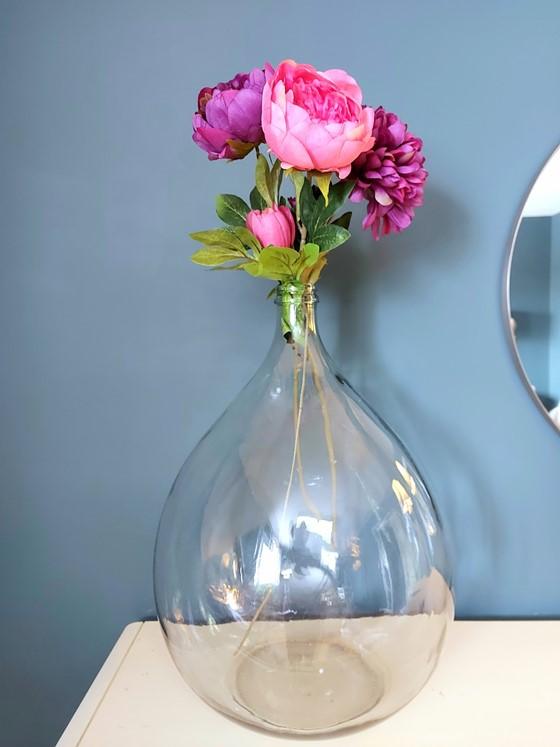 Erin - Trois façons d'ajouter du style à une dame-jeanne - Floral